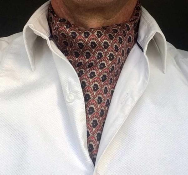 chap-cravat