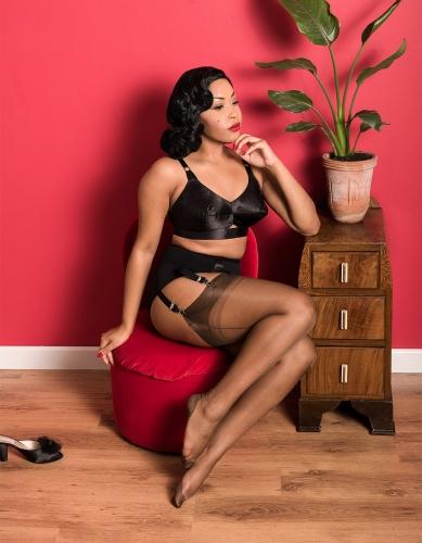 Lady-Eccentrik-fully-fashioned-cuban-chocolate-389x500.jpg