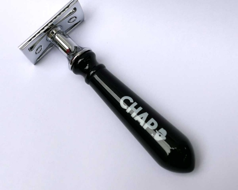 black-safety-razor